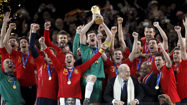 La selección española de fútbol, al ganar el Mundial en 2010. (EFE)
