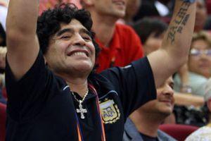 Maradona forma equipo para ser el próximo seleccionador argentino
