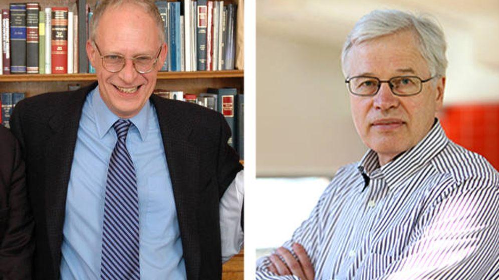 Foto: El economista británico Oliver Hart, profesor de la Universidad de Harvard, y el finlandés Bengt Holmström, del Instituto Tecnológico de Massachusetts (MIT)