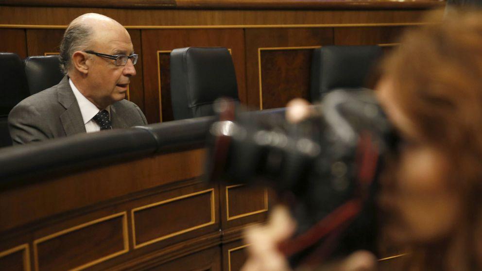 Montoro no se da por aludido por Aznar y avisa que ya investiga de oficio