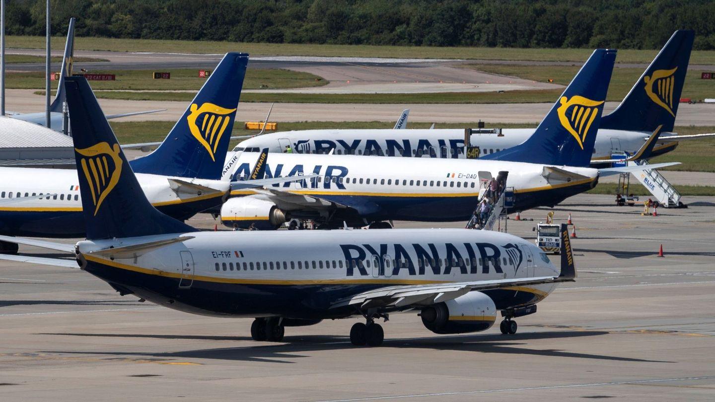 Aviones de Ryanair en el aeropuerto de Stansted (Londres). (Reuters)