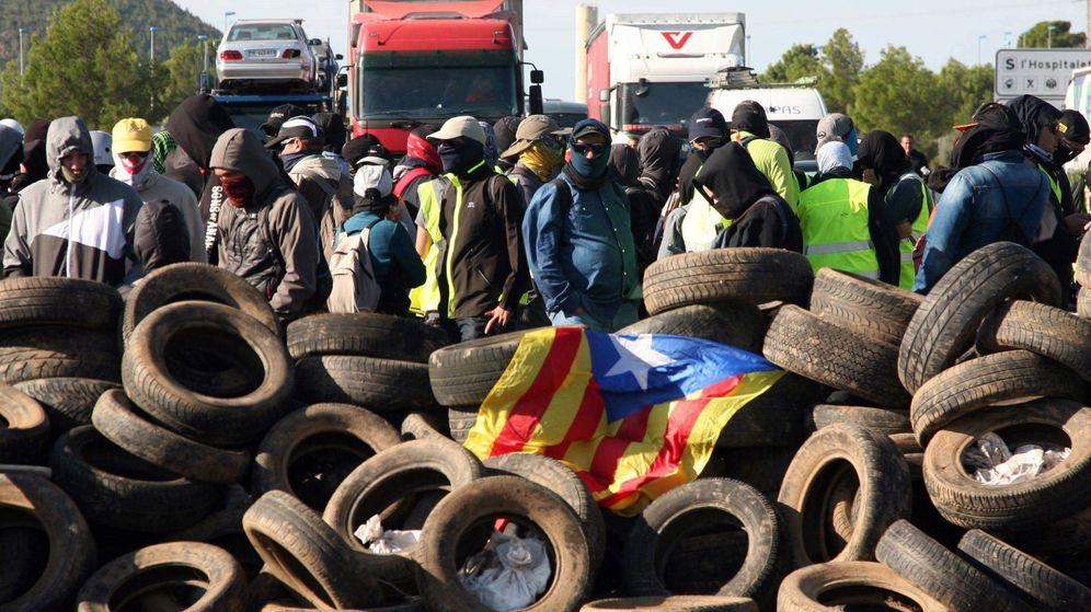 Foto: Imagen de archivo de un corte de carretera de los CDR. (EFE)