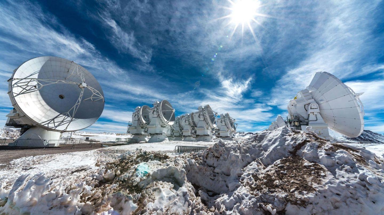 El telescopio ALMA ubicado en el desierto de Atacama, en el norte de Chile. (ALMA)