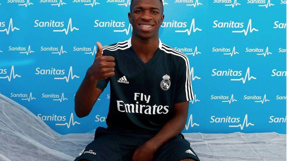 Foto: Vinícius pasa el reconocimiento médico en el primer día de pretemporada con el Real Madrid. (Foto: realmadrid.com)