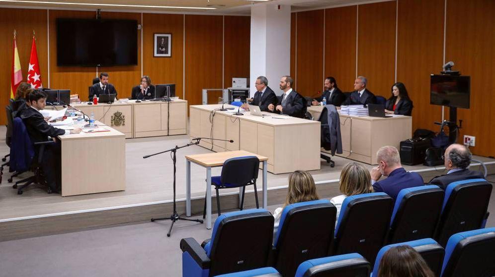 Foto: El juicio de los ordenadores de Bárcenas por el que el PP se ha sentado en el banquillo. (EFE)