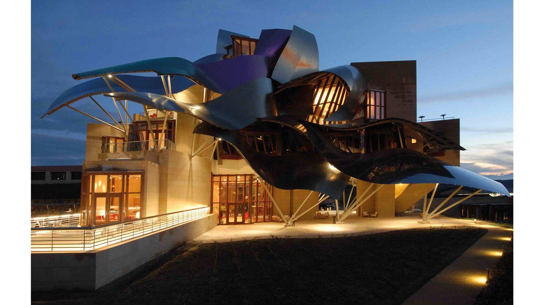 Vinos templos del vino las diez bodegas m s atractivas del mundo - Arquitecto bodegas marques de riscal ...