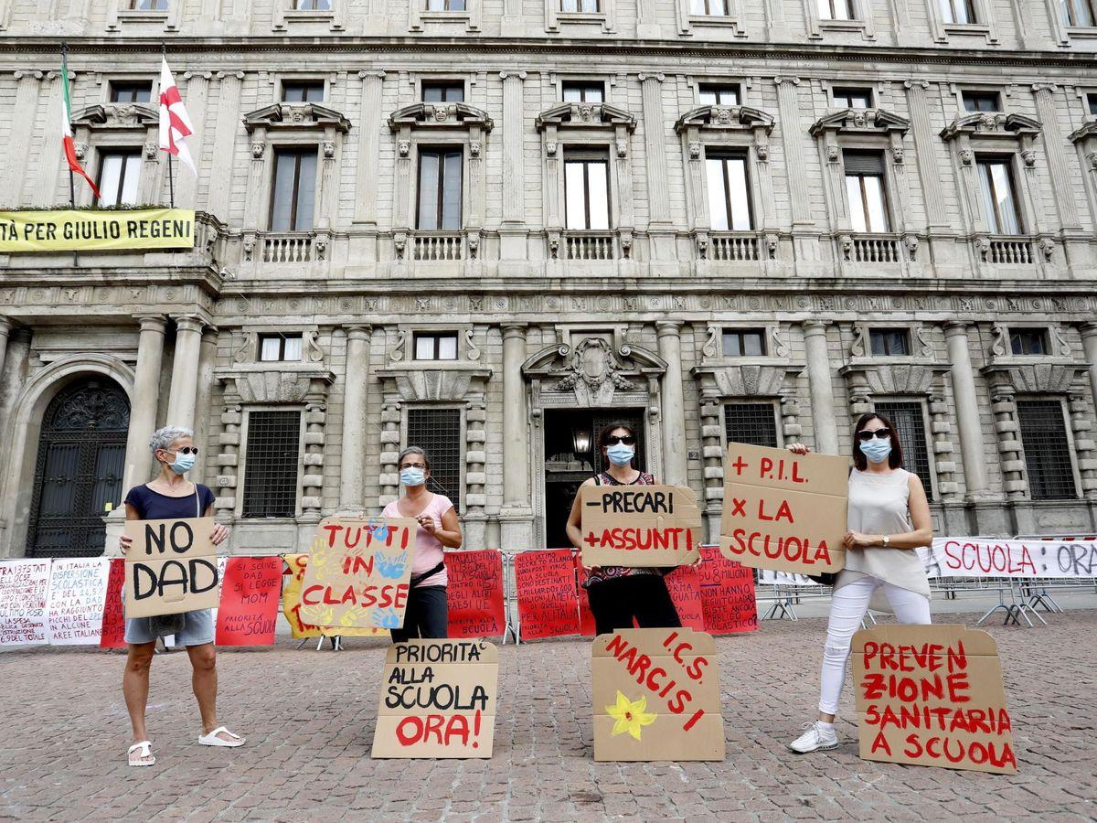 Foto: Manifestación contra los planes del Gobierno sobre las escuelas. (EFE)