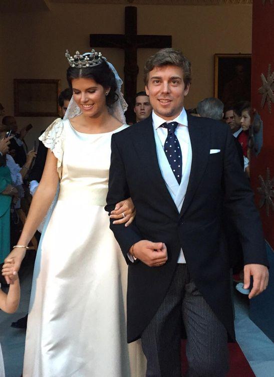 Los novios tras convertirse en marido y mujer (Vanitatis)