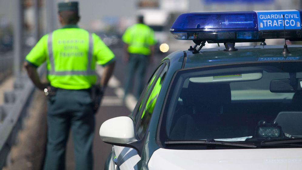 Foto: Los agentes de tráfico en tiempos del coche autónomo de Google