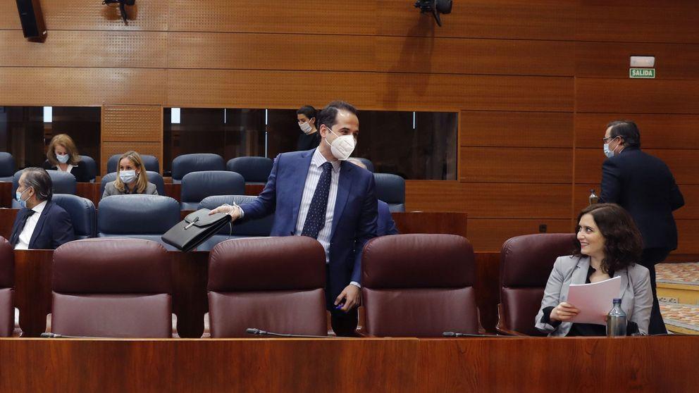 Del 'error' a la moción de censura: el dúplex de Ayuso envenena la relación de PP y Cs