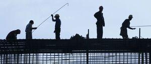 La CE reabre la polémica negociación de la jornada laboral de más de 48 horas semanales