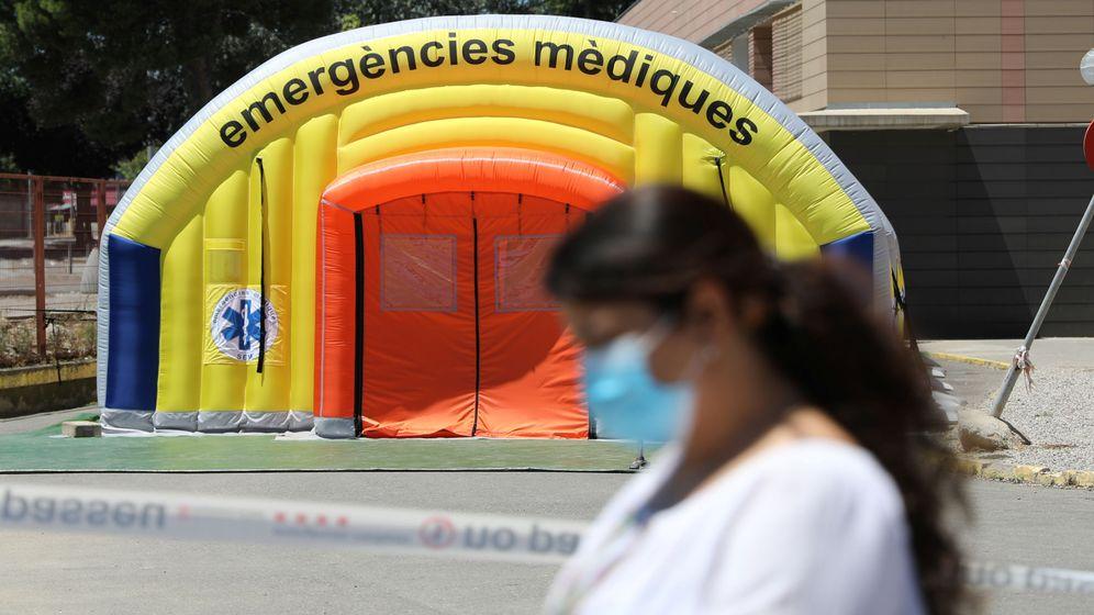 Foto: El hospital de campaña levantado en Lleida para hacer frente al brote de covid-19 que sufre la provincia. (Reuters)