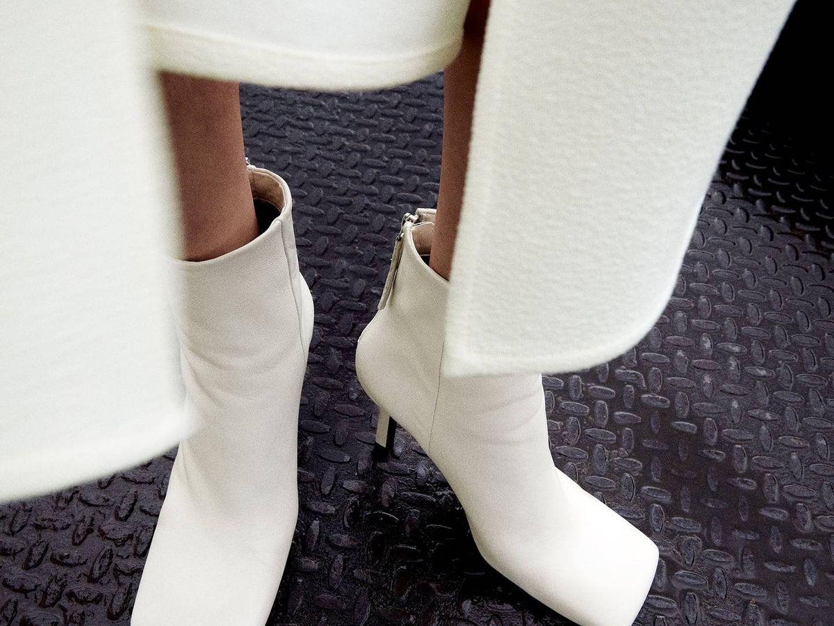 Foto: Zara, Mango y HyM tienen las botas tendencia de este otoño e invierno. (Cortesía de Zara)