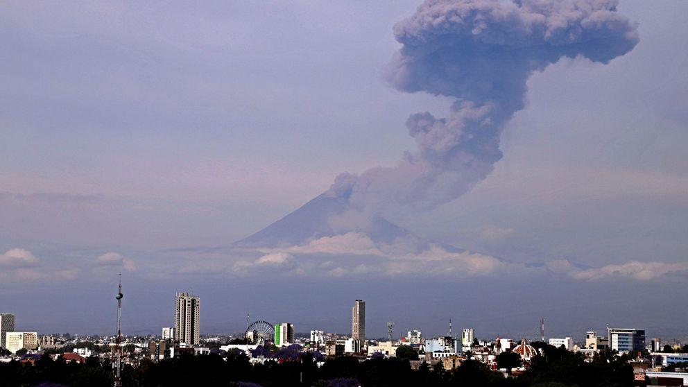 Un volcán mexicano y moda flamenca en Córdoba: el día en fotos