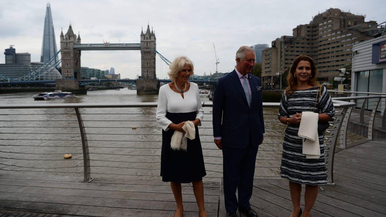 La princesa Haya con el príncipe Carlos y Camilla, en una imagen de archivo. (Cordon Press)