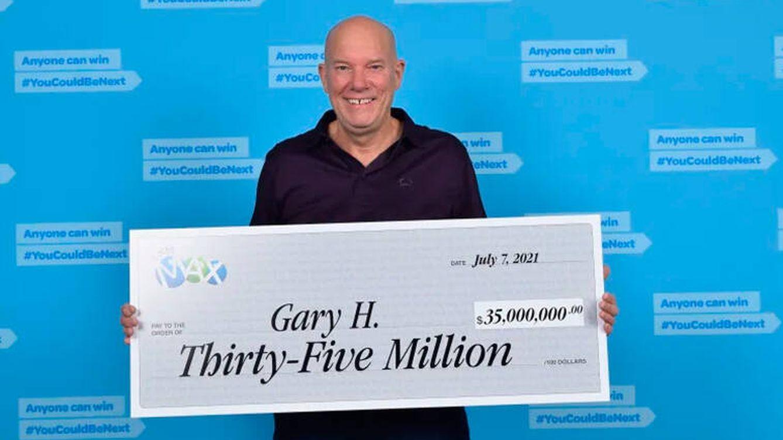 La reacción de un camionero jubilado después de ganar 23 millones a la lotería