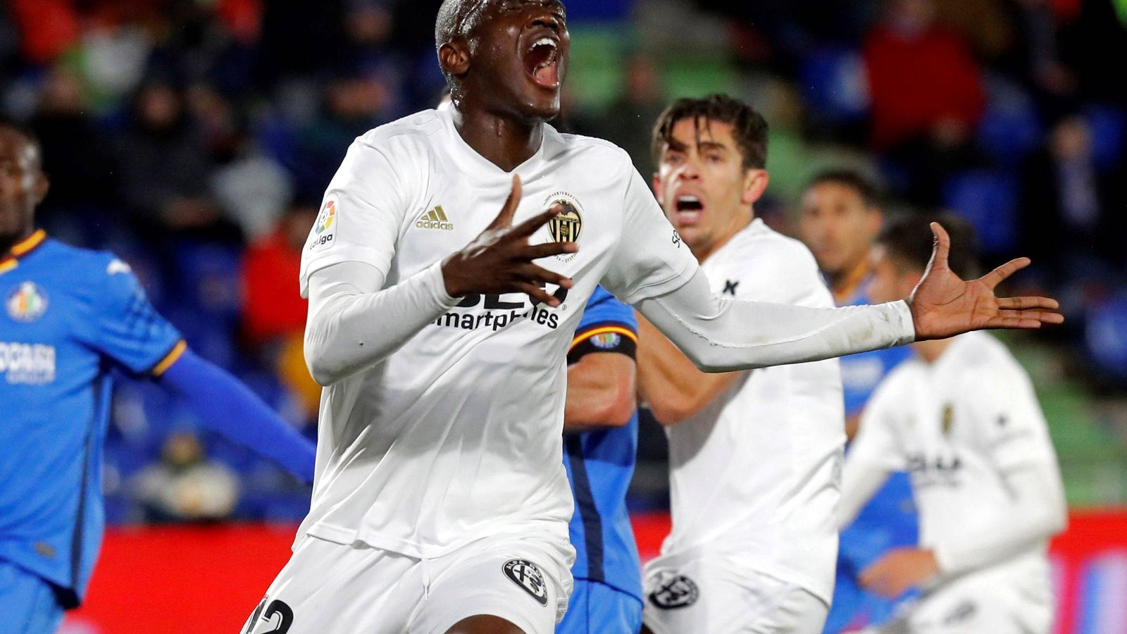 Foto: Jugadores del Valencia celebran un gol. (EFE)