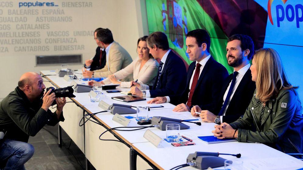 Foto: La cúpula del PP, tras la reunión ejecutiva en la sede de Génova este lunes. (EFE)