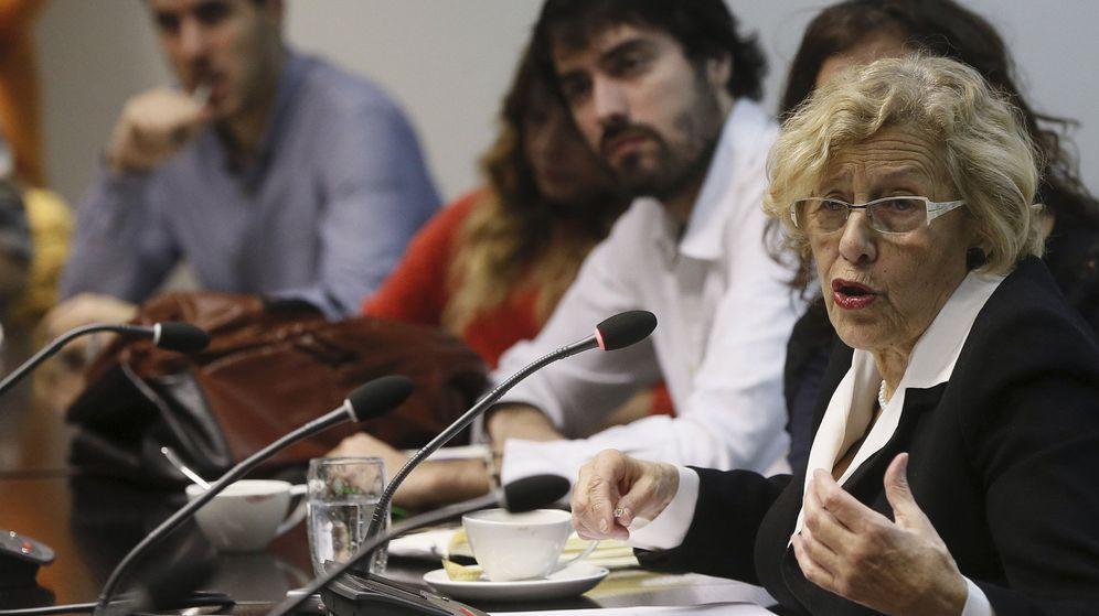 Foto: La alcaldesa de Madrid, Manuela Carmena, durante un encuentro con los medios este viernes. (EFE)