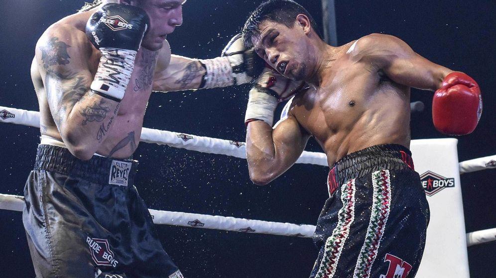 Foto: Kerman Lejarraga, a la izquierda, durante un combate. (EFE)