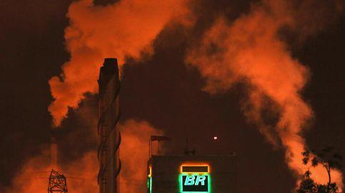 El golpe de Bolsonaro en la presidencia de Petrobras contagia al real brasileño