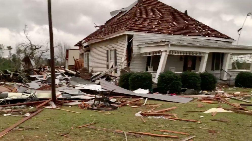 Foto: Imagen de cómo ha quedado una vivienda en Alabama. (Reuters)