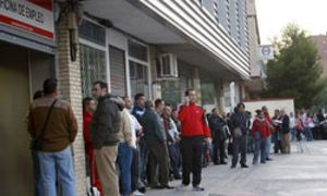 El paro subió en 2010 en 176.470 personas, hasta los 4,1 millones de desempleados