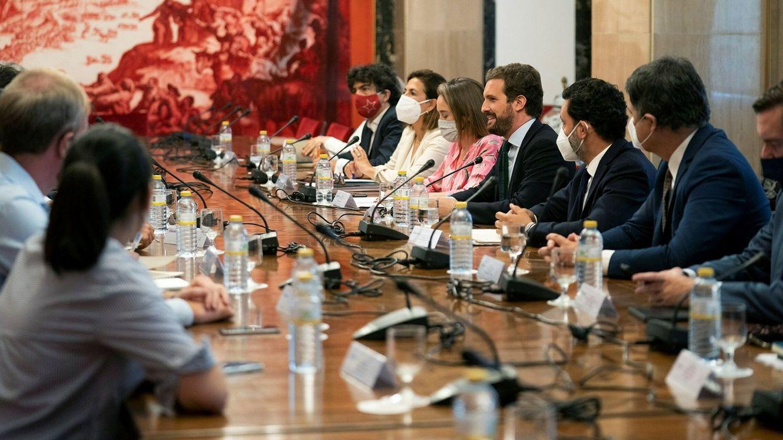 Ni un respiro a los nuevos ministros: el PP pide abrir el Congreso también en agosto