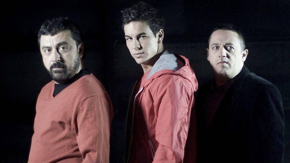 Foto: De izquierda a derecha: Paco Tous, Mario Casas y Pepón Nieto, protagonistas de 'Los hombres de Paco'