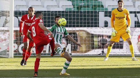 El Betis se pega un tiro en el pie y deja pasar dos puntos de oro en el derbi de Sevilla (1-1)