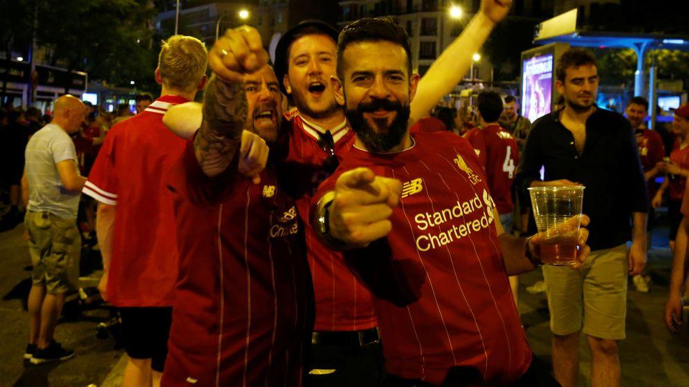 Foto: Fans del Liverpool tras la final de la Champions. (Reuters)