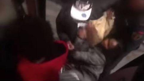 ¿Racismo en Madrid? Desalojan de un bus a una mujer negra por exceso de aforo