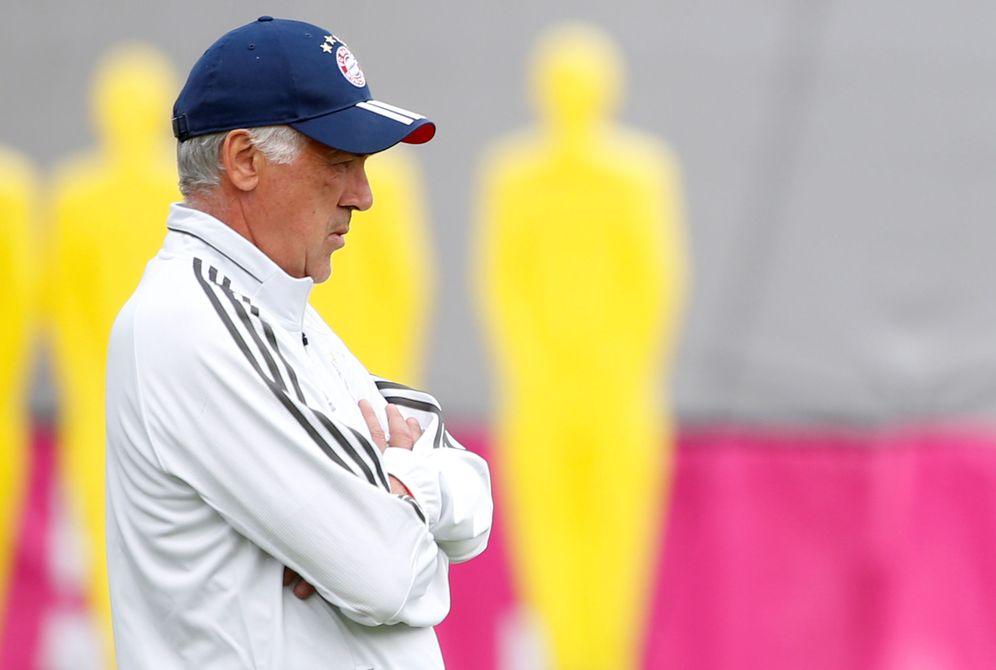 Foto: Carlo Ancelotti, durante un entrenamiento del Bayern. (Reuters)