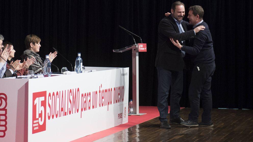 El PSOE celebra la decisión del TC y avisa a Puigdemont: debe entregarse al juez