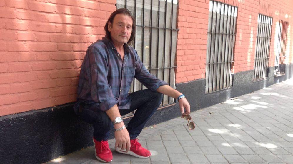 Foto: Ángel, alias el Oso, en su barrio de Carabanchel. (D.B.)