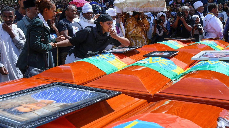 Ceremonia en homenaje a las víctimas del accidente de Ethiopian Airlines, provocado por un posible fallo en los aviones del modelo 737 Max de Boeing. (EFE)