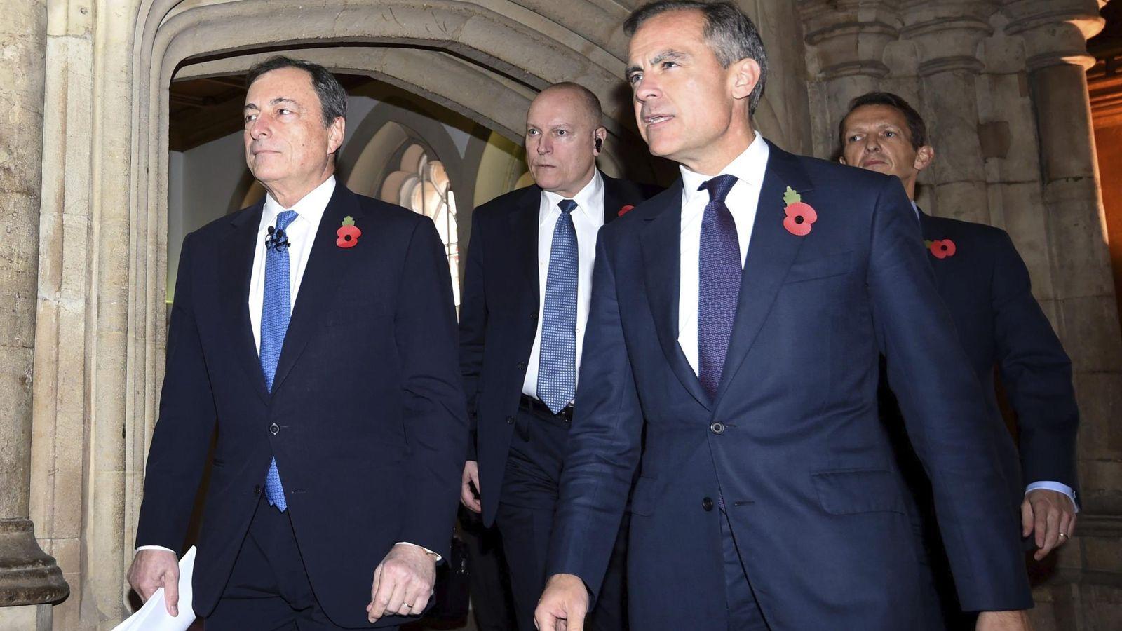 Foto: El presidente del Banco Central Europeo, Mario Draghi (i) y el gobernador del banco de Inglaterra, Mark Carney. (EFE)