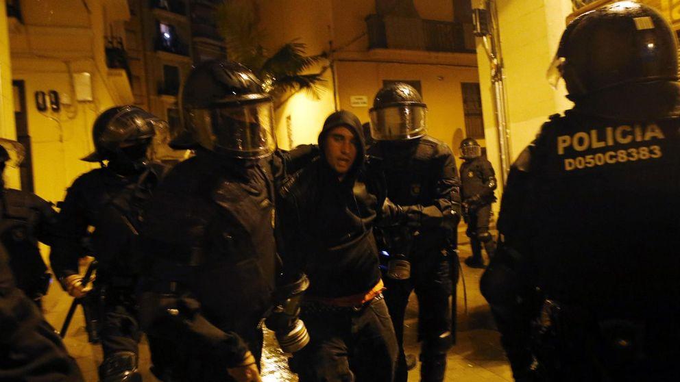 30 detenidos en las protestas por los 'okupas' de Can Vies en Barcelona