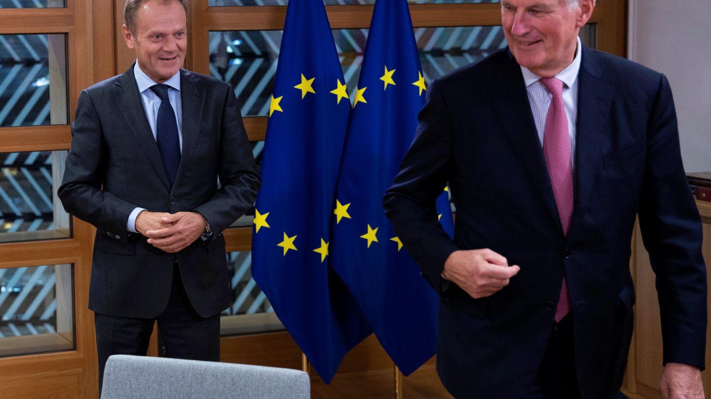 Donald Tusk y el negociador europeo para el Brexit, Michel Barnier. (Reuters)