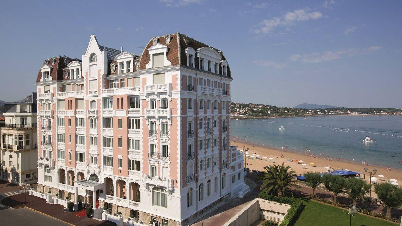 El Grand Hôtel, soberbio frente al mar de San Juan de Luz.
