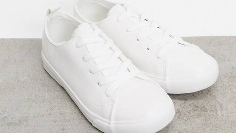 Zapatillas deportivas de Asos. (Cortesía)