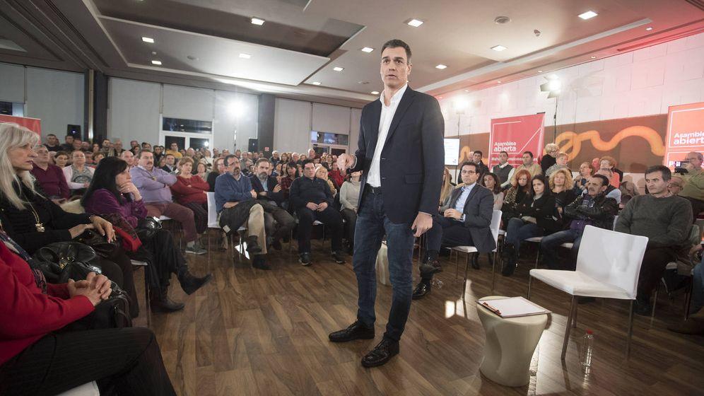 Foto: Pedro Sánchez, durante su asamblea abierta a militantes y simpatizantes en Granada, este 11 de enero. (Borja Puig | PSOE)