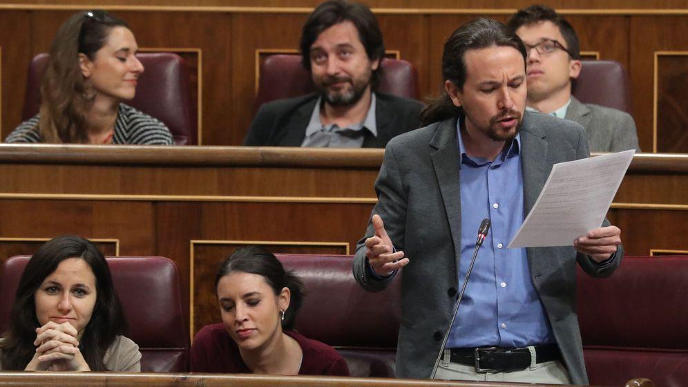 Foto: El líder de Podemos, Pablo Iglesias, durante una intervención hoy en la sesión de control al Gobierno en el Congreso de los Diputados. (EFE)