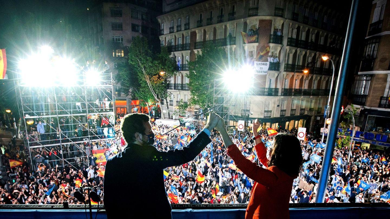 Ayuso y Casado celebran la victoria del PP el pasado 4 de mayo. (EFE)