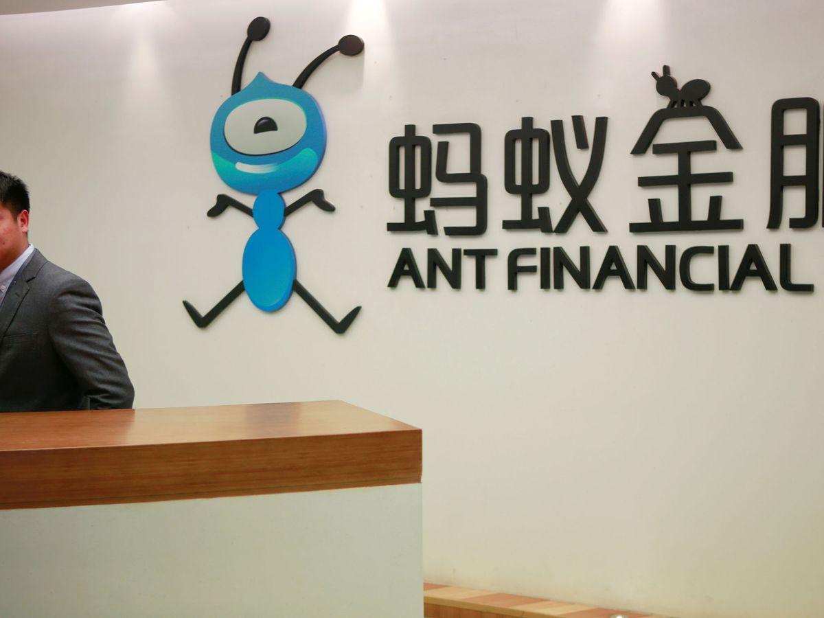 Foto: Logo de Ant Financial Services Group en sus oficinas de Hangzhou. (Reuters)