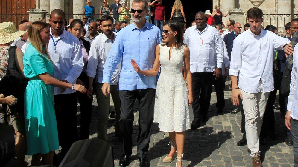 Foto: Los Reyes con gafas de sol por La Habana. (Reuters)