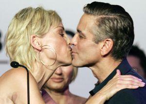 Sharon Stone subasta los besos de George Clooney