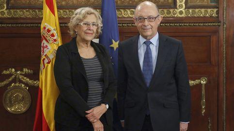 Carmena accede a revisar el presupuesto de Madrid tras reunirse con Montoro