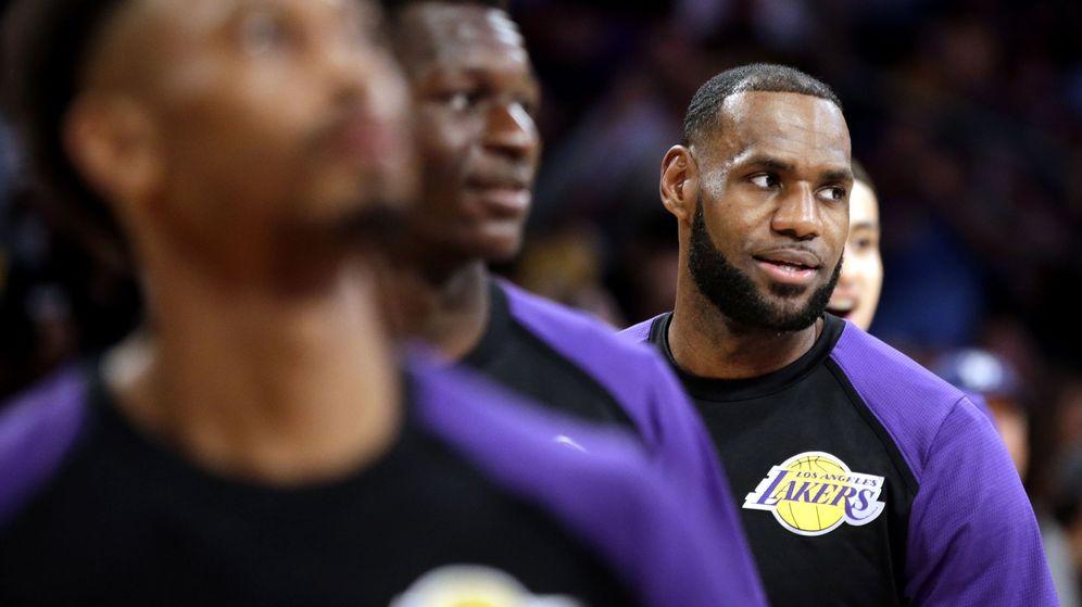 Foto: Lebron James, antes de un partido con los Lakers en el Staples Center. (EFE)