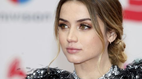 Ana de Armas deslumbra en la alfombra roja con un equipo 'made in Hollywood'